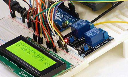 Les robots et kits d'électronique